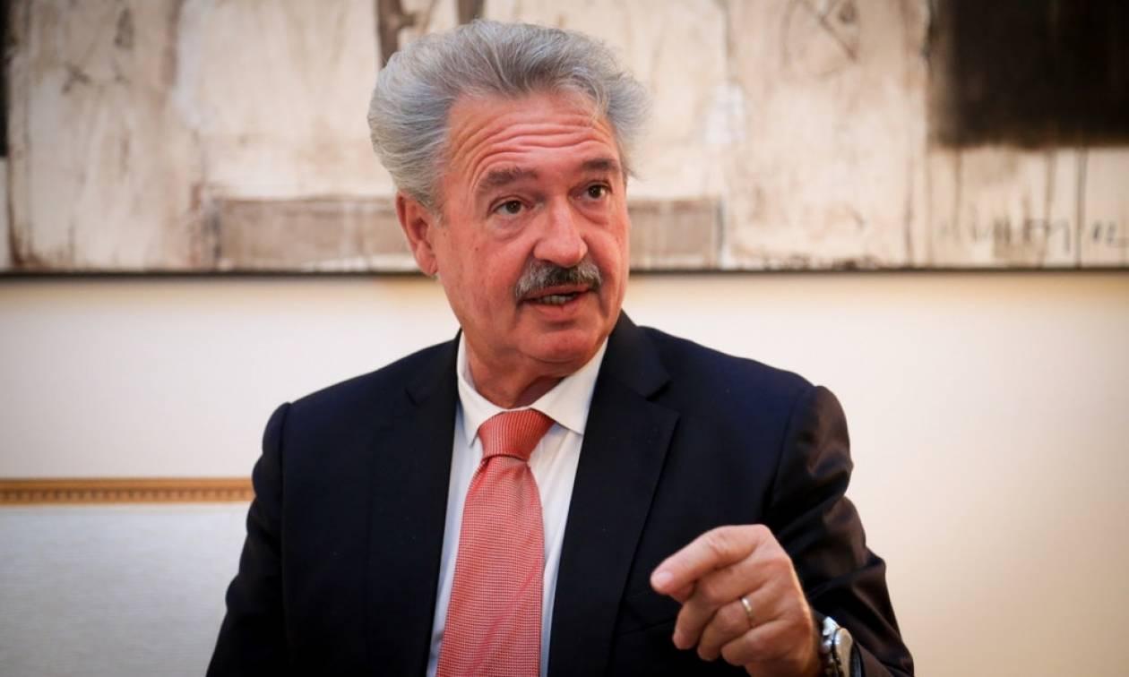 Αυστρία: Δεν είναι δυνατόν να αφήνουμε Ελλάδα και Ιταλία να τα βγάζουν πέρα μόνες τους