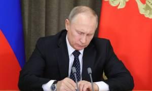 Δεν πτοείται ο Πούτιν: Ετοιμάζεται να χτυπήσει τις ΗΠΑ με κυρώσεις