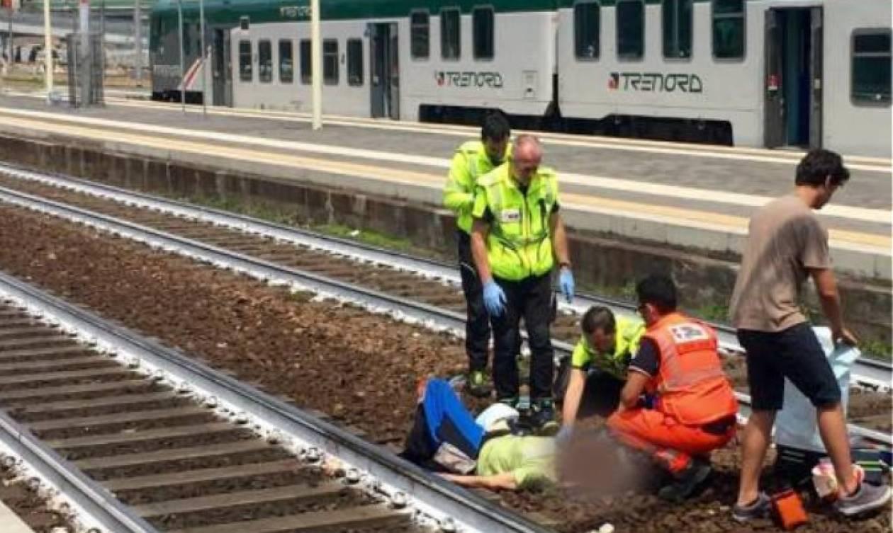 Η πιο απάνθρωπη selfie: Ποζάρει μπροστά από γυναίκα που τη χτύπησε τρένο! (pic)