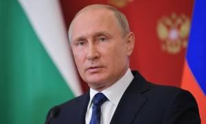 Αποκαλυπτικός Πούτιν: Τι απαντά για τις «ημίγυμνες» φωτογραφίες του