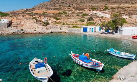 Ένα από τα μικρότερα νησιά των Κυκλάδων αποτελεί τον πιο δημοφιλή προορισμό για φέτος