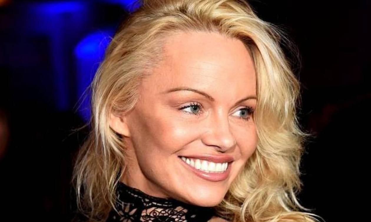Pamela Anderson: Έτσι είναι Ms. Baywatch χωρίς μακιγιάζ