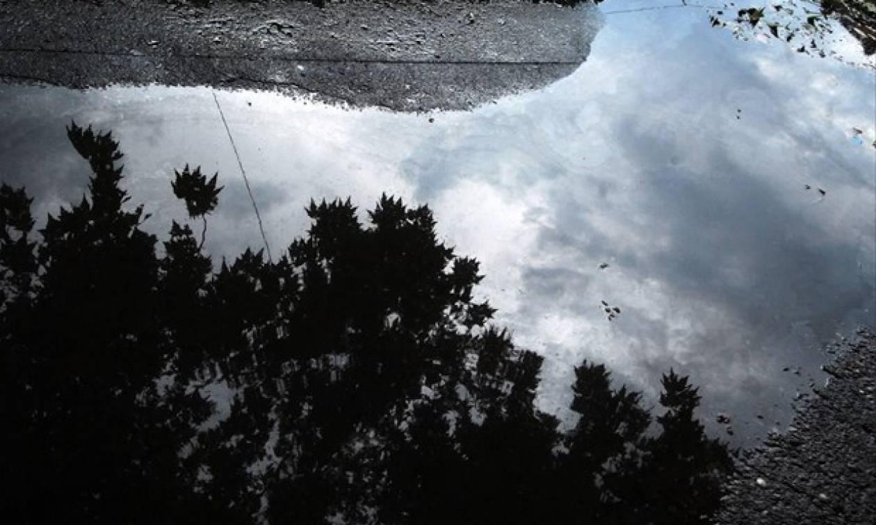 Καιρός: Ξεχάστε για λίγο το καλοκαίρι! Υποχωρεί με βροχές ο υδράργυρος