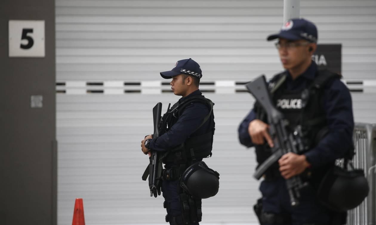 Απελαύνονται δημοσιογράφοι και πολίτες από τη Σιγκαπούρη – Βρέθηκε υλικό βομβιστικής επίθεσης