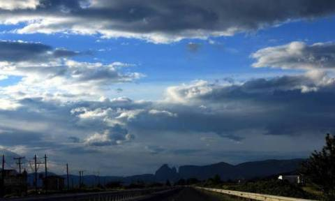 Άστατος ο καιρός της Τετάρτης με ζέστη και τοπικές βροχές (pics)