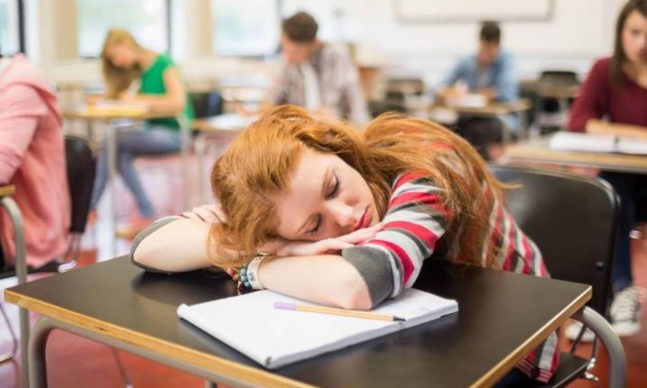 Επαναστάτης με... αιτία ο καθηγητής που επέτρεψε στη μαθήτριά του να κοιμηθεί εν ώρα μαθήματος