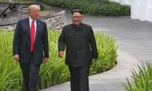 Στα ύψη η δημοτικότητα του Ντόναλντ Τραμπ μετά τη συμφωνία με τον Κιμ Γιονγκ Ουν