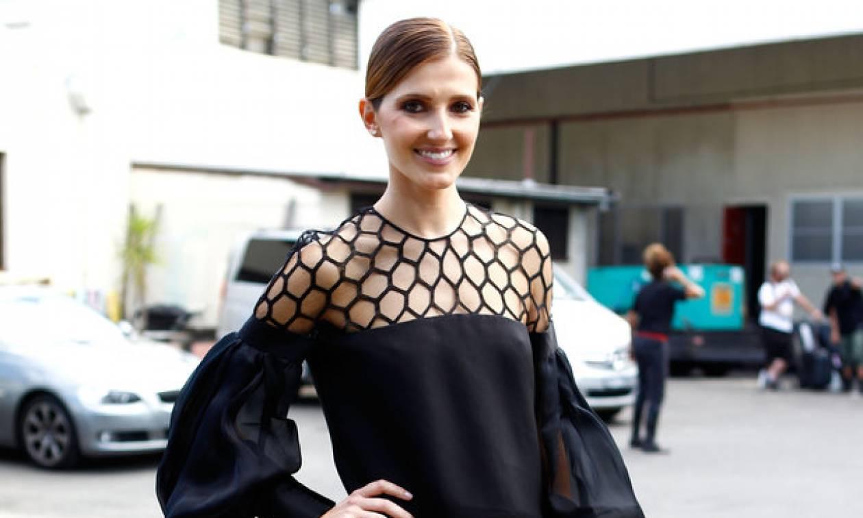 Οδηγός Αγοράς: 15 μαύρα ρούχα και αξεσουάρ που μπορείς να φορέσεις και το καλοκαίρι