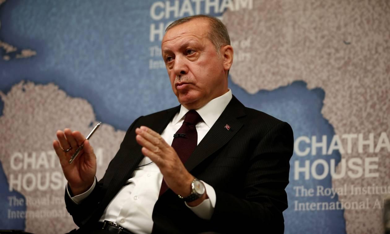 Ποιος πιστεύει τον «Σουλτάνο»: Η νέα υπόσχεση Ερντογάν για να πείσει τους Τούρκους να τον ψηφίσουν