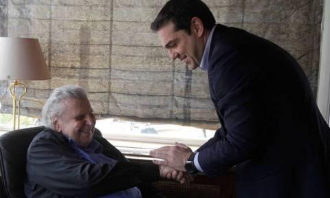 Теодоракис Ципрасу: Сегодня ты принимаешь поздравления от тех, кого вчера называл убийцами