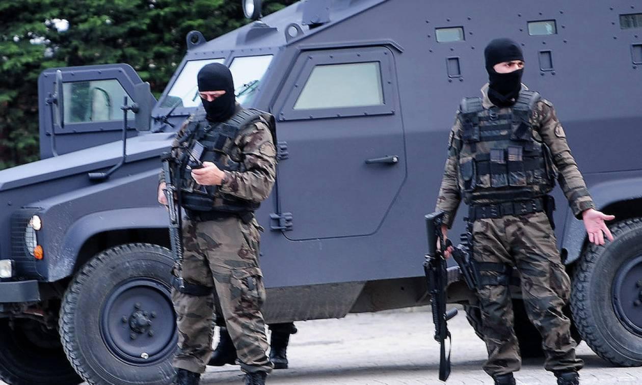 Βγήκαν τα όπλα στην Τουρκία: Τέσσερις νεκροί σε προεκλογική συγκέντρωση του κόμματος του Ερντογάν