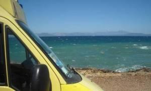 Τραγωδία στη Βουλιαγμένη: 74χρονος ανασύρθηκε νεκρός από τη θάλασσα
