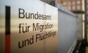 Γερμανία:Ο Ζεεχόφερ καθαίρεσε την επικεφαλής της ομοσπονδιακής υπηρεσίας μετανάστευσης και προσφύγων