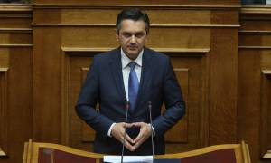 Άγριος καυγάς στη Βουλή: Για εσχάτη προδοσία κατηγόρησε τους βουλευτές του ΣΥΡΙΖΑ ο Κασαπίδης της ΝΔ