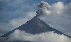 Σε κατάσταση συναγερμού η Γουατεμάλα: Εντάθηκε η δραστηριότητα σε τρία ενεργά ηφαίστεια