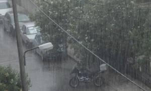 Καιρός: Ο «Μίνωας» σάρωσε την Κρήτη - Σφοδρή βροχόπτωση και χαλάζι (vid)