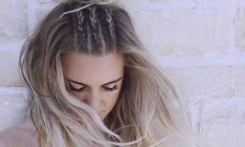 Έχουν φριζάρει τα μαλλιά σου από την υγρασία; Δες τι να κάνεις!