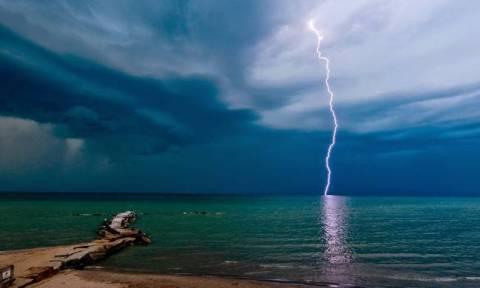 Καιρός: Στο έλεος του «Μίνωα» - Ισχυρές καταιγίδες και χαλαζοπτώσεις θα σαρώσουν και πάλι τη χώρα