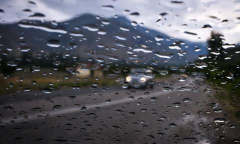 Καιρός: Έκτακτο δελτίο ΕΜΥ – Σφοδρές καταιγίδες και χαλάζι τις επόμενες ώρες