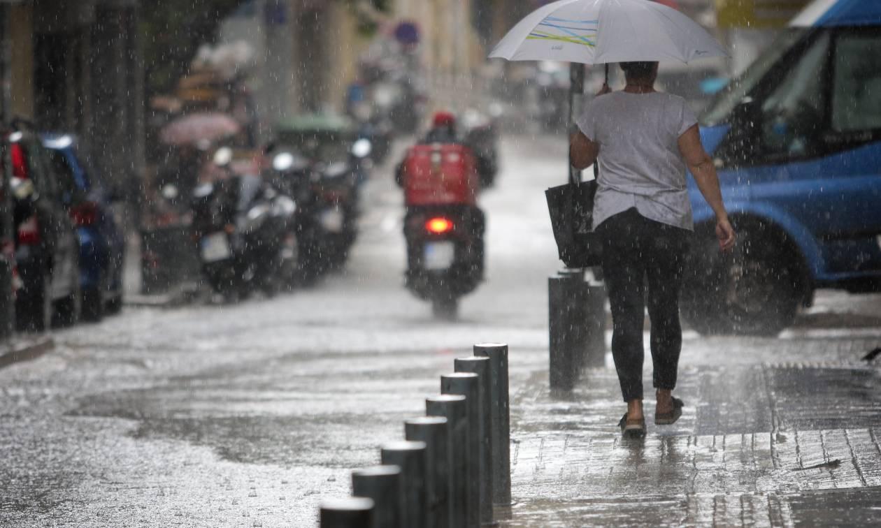 Καιρός: Ο Μίνωας «χτύπησε» ξανά την Αττική – Πλημμύρες στο κέντρο της Αθήνας
