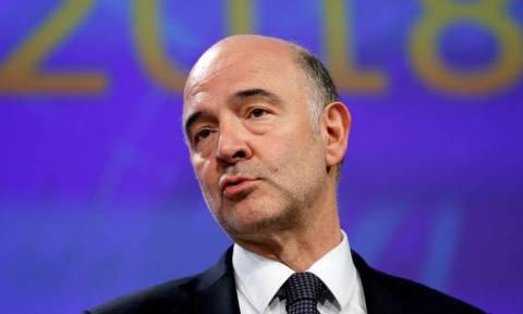 Σημαντικά μέτρα ελάφρυνσης του ελληνικού χρέους ζητά ο Μοσκοβισί από το Eurogroup