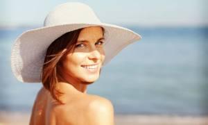 Καρκίνος του δέρματος: Οι τροφές που «φρενάρουν» τον κίνδυνο (εικόνες)