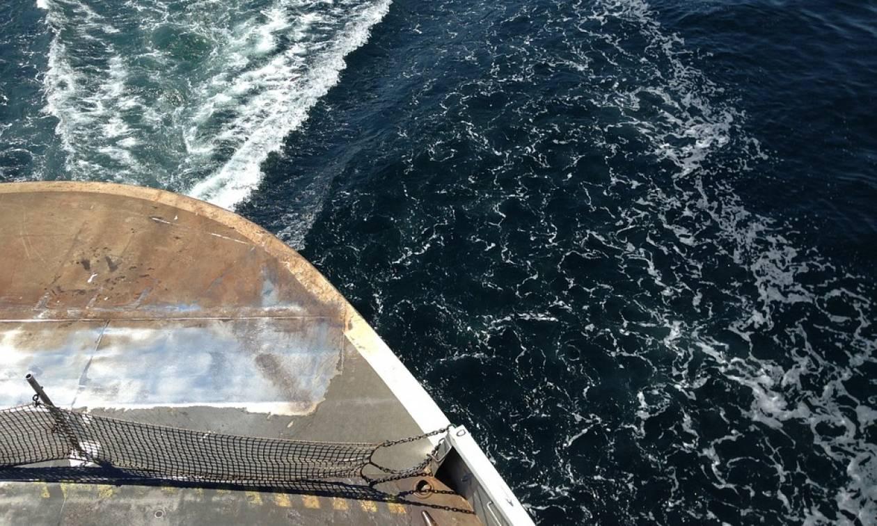 Τραγωδία στην Ινδονησία: Βυθίστηκε πλοίο με 80 επιβαίνοντες - Ένας νεκρός και δεκάδες αγνοούμενοι