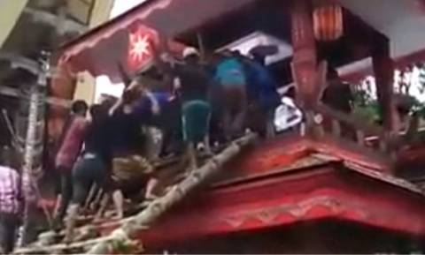 Ασύλληπτη τραγωδία: Τον σκότωσε το φέρετρο της μητέρας του! (video)