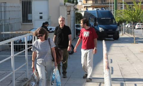 Στις φυλακές Κορυδαλλού επέστρεψε ο Δημήτρης Κουφοντίνας (vid)