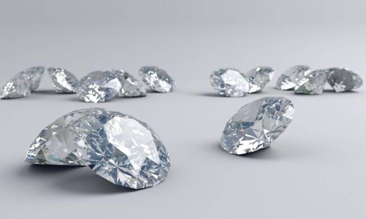 Πάτρα: Κλοπή «μαμούθ» - Ληστές «μπούκαραν» σε σπίτι και άρπαξαν 42 διαμάντια!