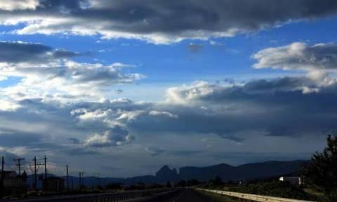 Καιρός τώρα: Καλοκαίρι δεν θα δούμε - Με βροχές και καταιγίδες η Παρασκευή (pics)