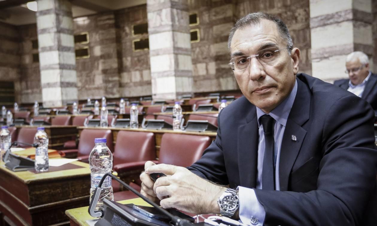 Δ. Καμμένος: Ζητά από τη Βουλή την εξουσιοδότηση Τσίπρα σε Κοτζιά για τη συμφωνία στις Πρέσπες