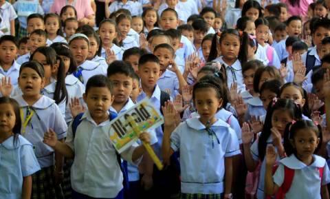 Απίστευτος Ντουτέρτε: Τεστ ανίχνευσης ναρκωτικών σε μαθητές… δημοτικού!
