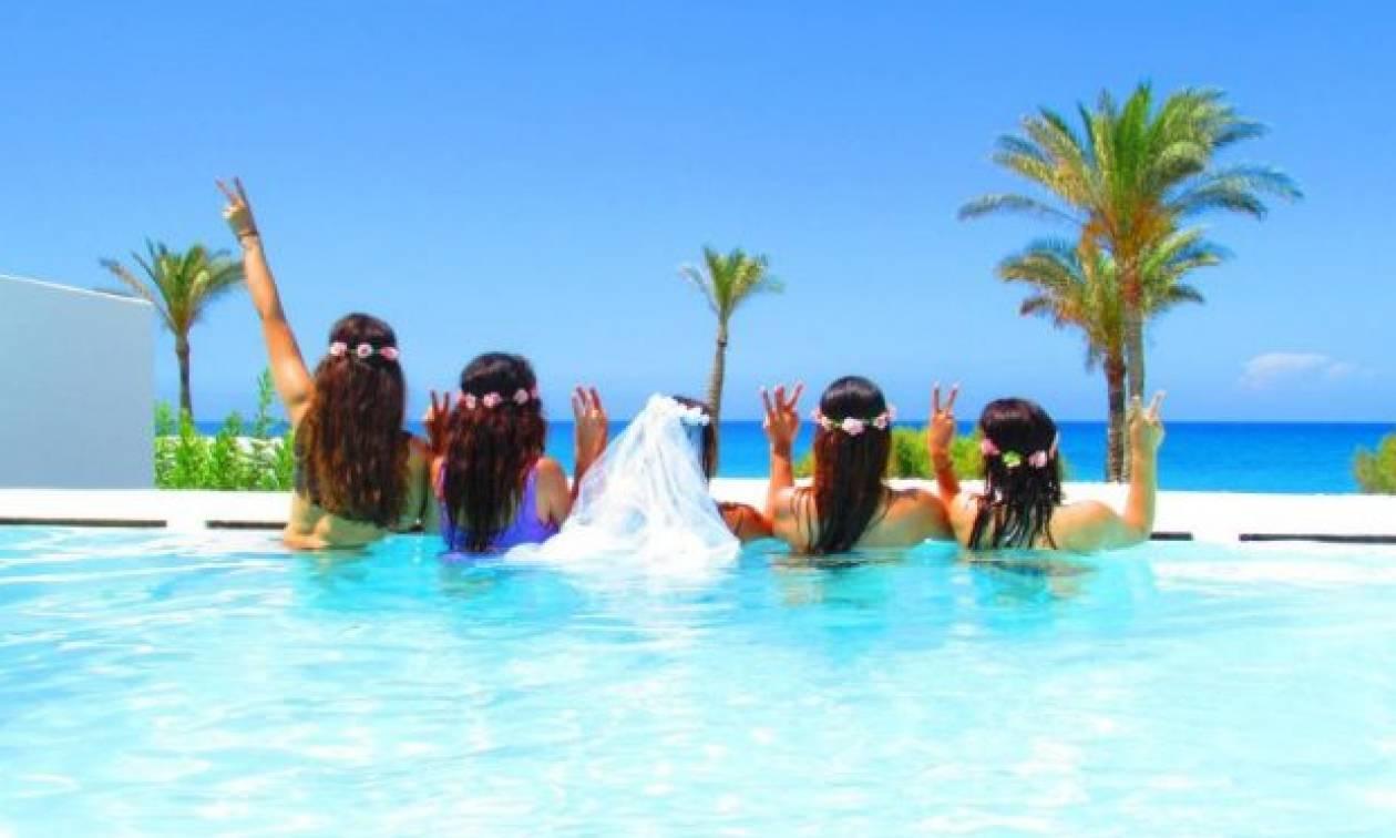Πέντε γυναίκες ξεκίνησαν από το Ρέθυμνο για το μπάτσελορ της ζωής τους! (pics)