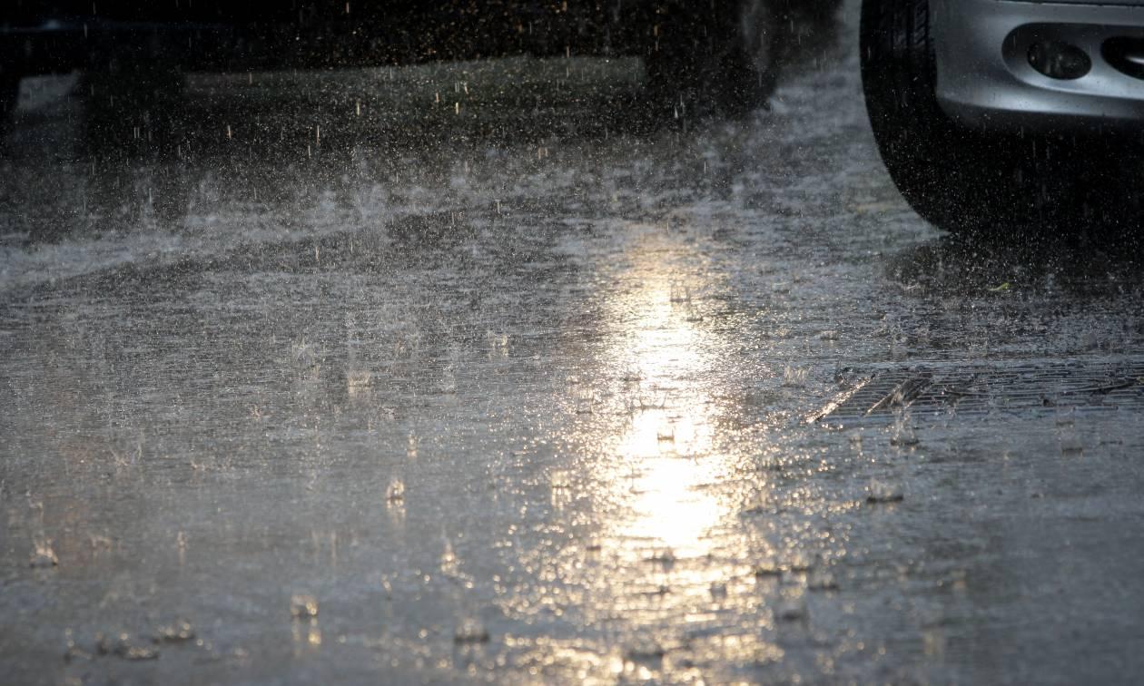 Σφοδρή κακοκαιρία έπληξε την Αττική – Εγκλωβίστηκαν οδηγοί