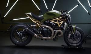 Δύσκολα θα αντισταθείς στην ημίγυμνη Ducati!