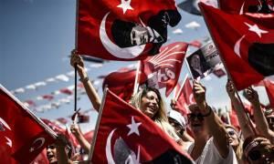 Τουρκία Eκλογές: Το κόμμα του Ερντογάν μόλις «διέρρευσε» το τελικό ποσοστό του «Σουλτάνου»