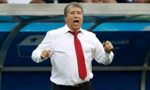 Απίστευτο βίντεο: Ο προπονητής του Παναμά... παρακαλά τους Άγγλους να μην σκοράρουν άλλο γκολ!