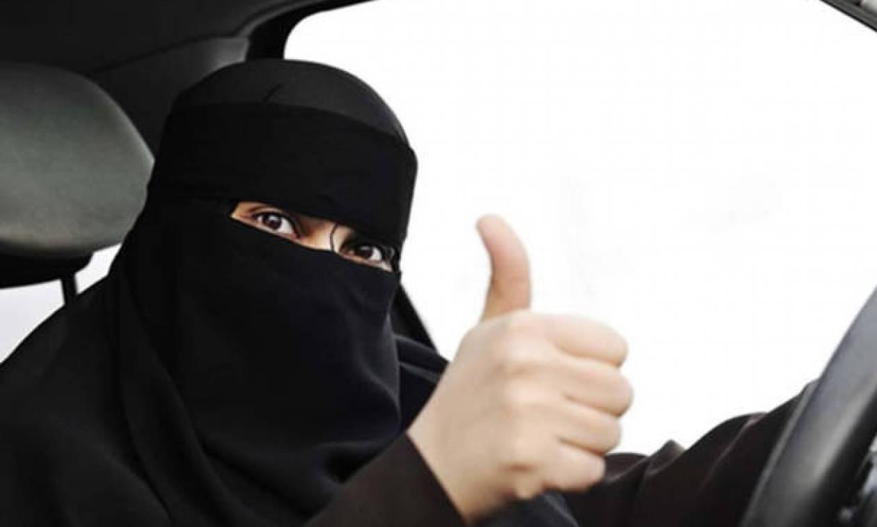 Ιστορική μέρα για τη Σ. Αραβία: Οι γυναίκες έπιασαν επιτέλους τομόνι και οδήγησαν μέχρι και… Formula