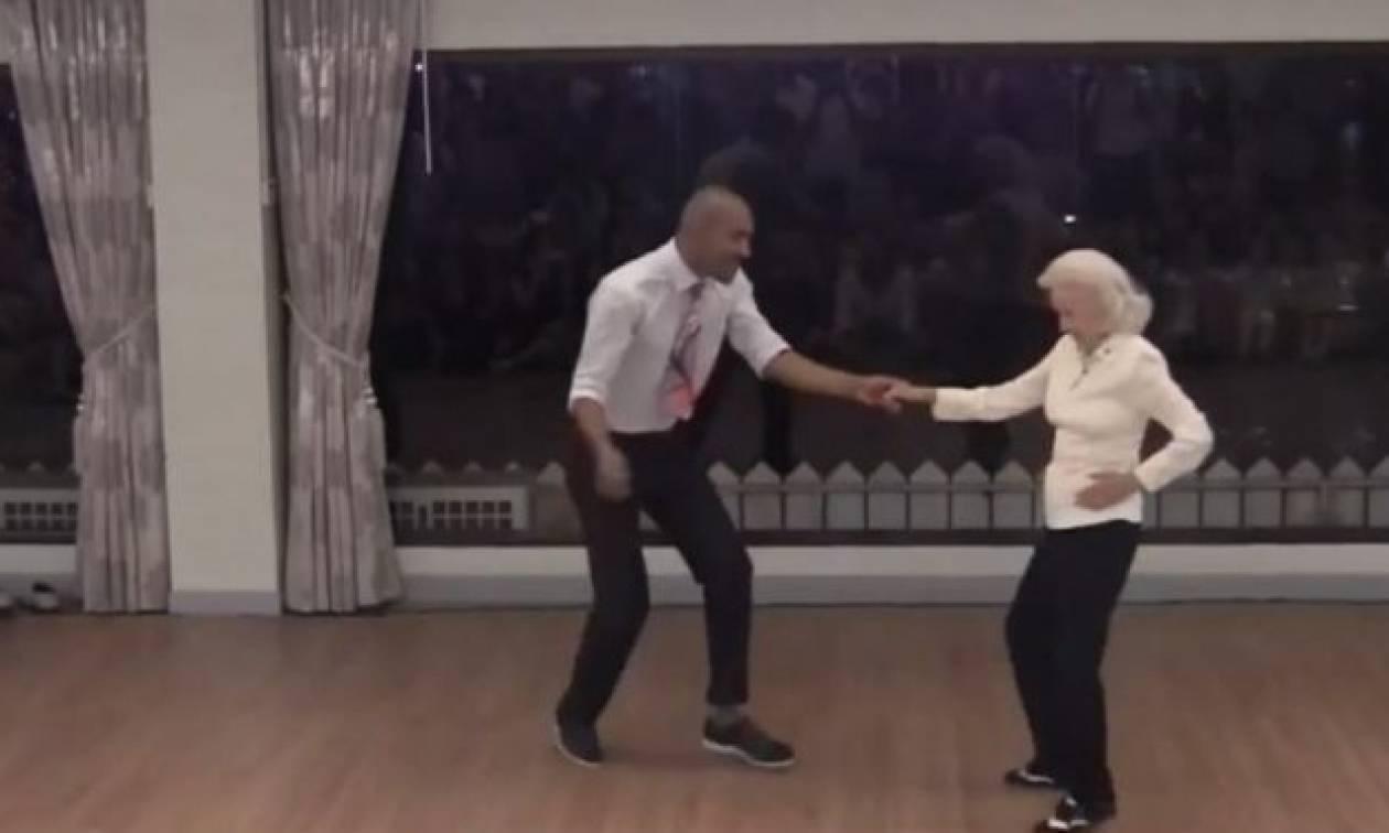 Ενενηντάχρονη γιαγιά χορεύει σαν κοριτσόπουλο κι οι θεατές παθαίνουν πλάκα (vid)