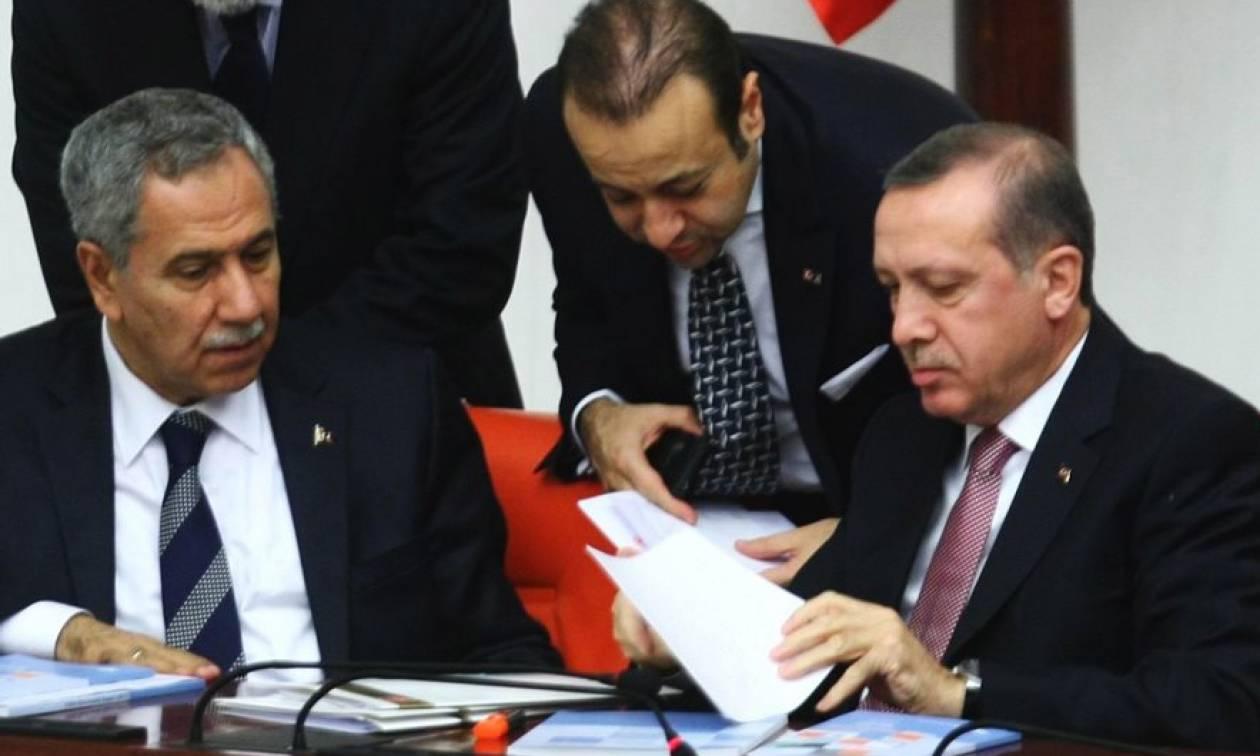 Απίστευτη τουρκική δήλωση: H Ελλάδα να πιάσει από τα αυτιά τους 8 Τούρκους και να μας τους παραδώσει