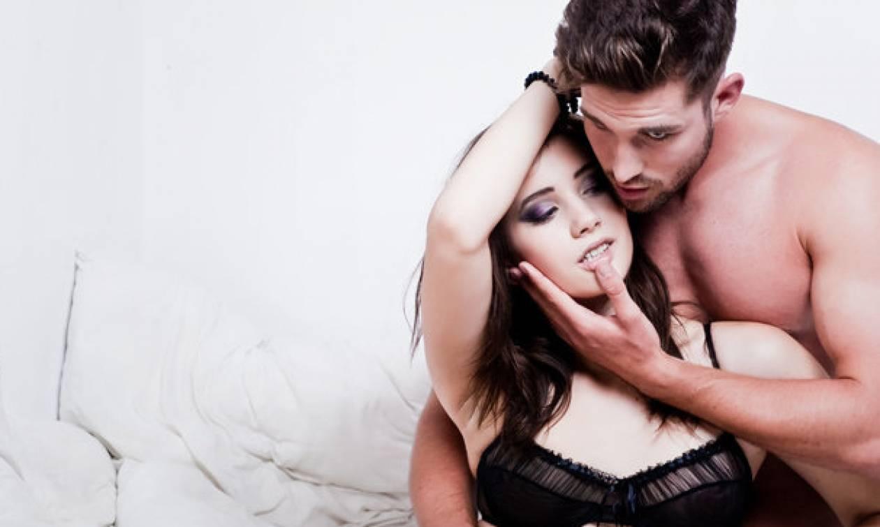 Δεν φαντάζεστε ποιες δύο λέξεις τρελάινονται να ακούν οι γυναίκες στο σεξ!