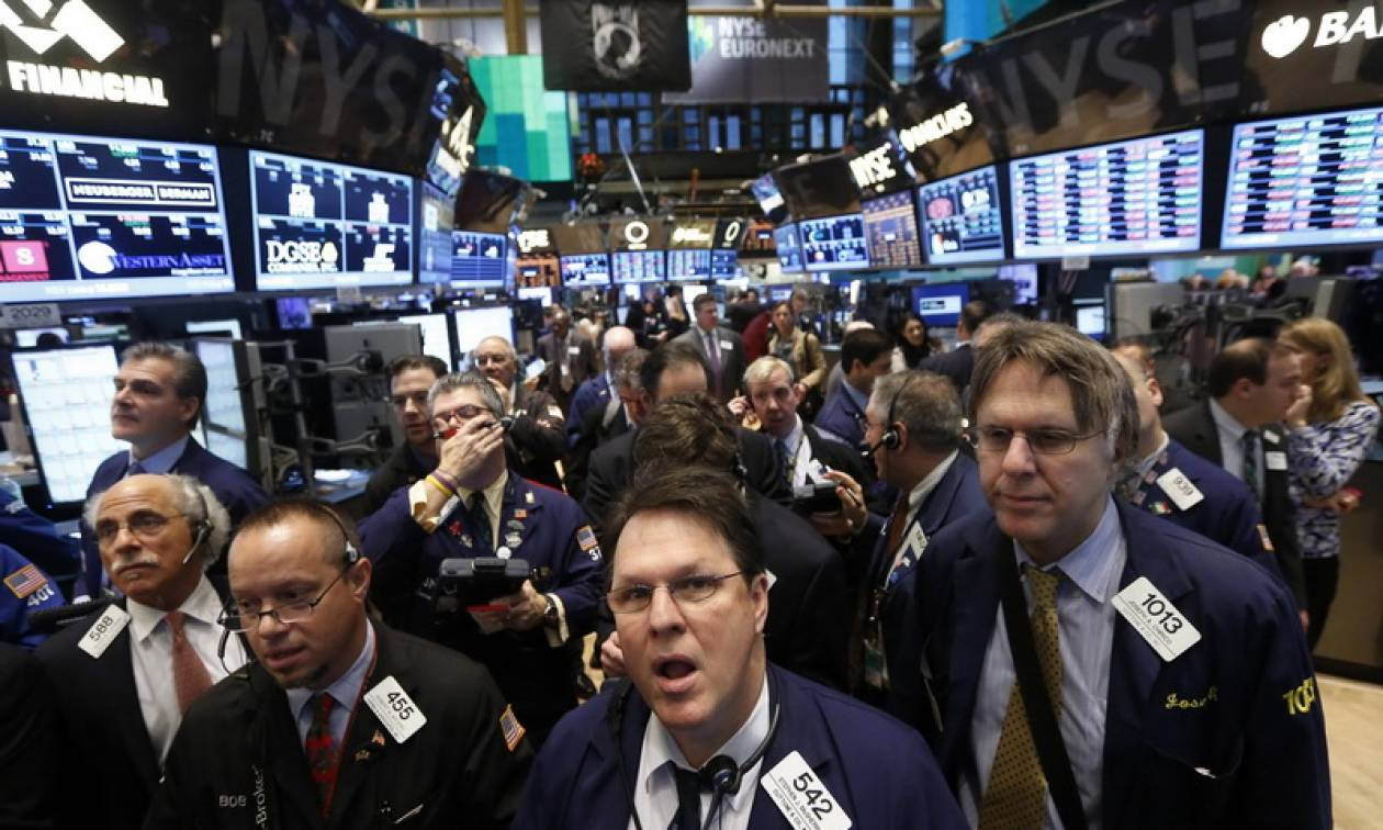 Ο εμπορικός πόλεμος «γκρεμίζει» τη wall Street