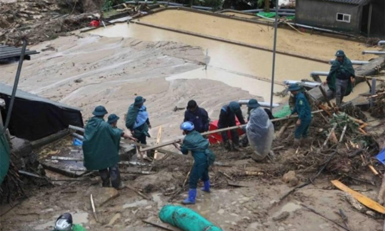 Βιετνάμ: Τους 15 έφτασαν οι νεκροί από τις πλημμύρες και τις κατολισθήσεις (vid)