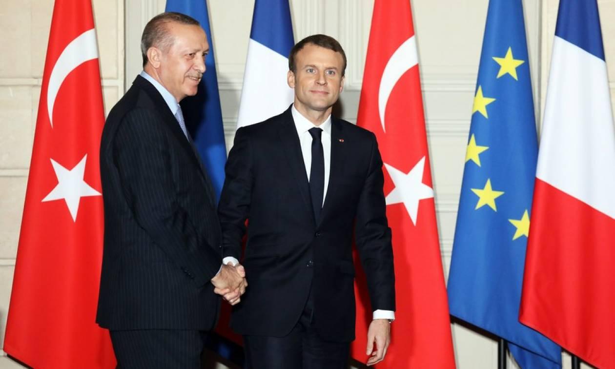 Μακρόν σε Ερντογάν: Χρειαζόμαστε έναν ψυχραιμότερο διάλογο ανάμεσα σε ΕΕ και Τουρκία
