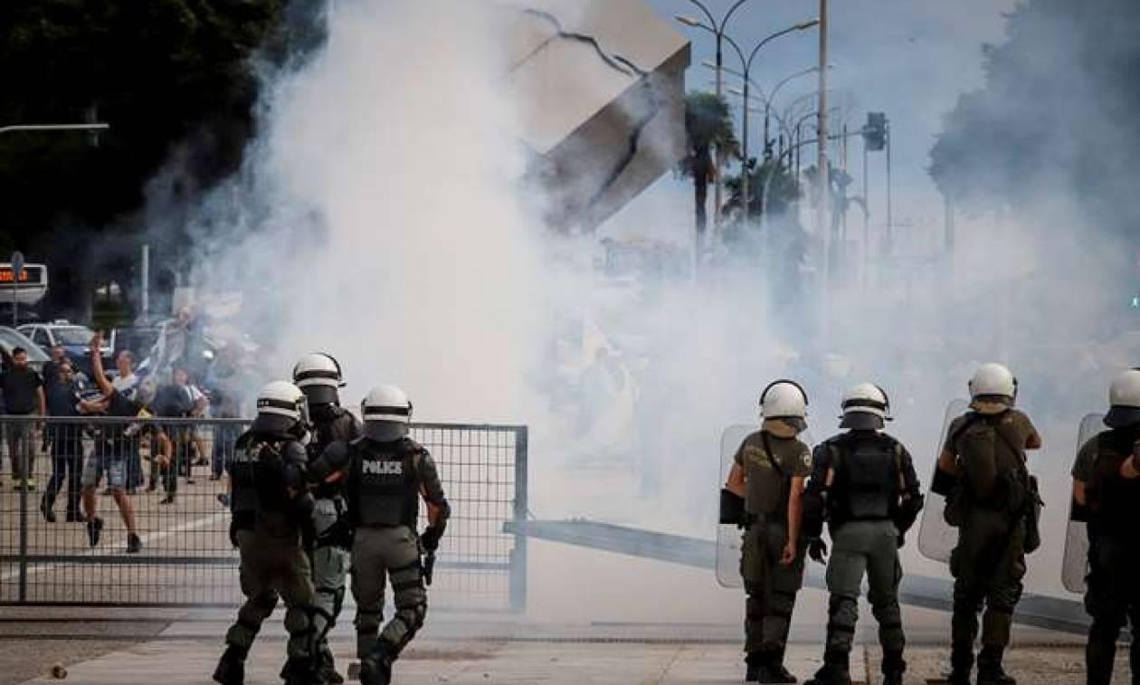 Θεσσαλονίκη: Ελεύθεροι οι πέντε συλληφθέντες για τα επεισόδια έξω από τη ΔΕΘ