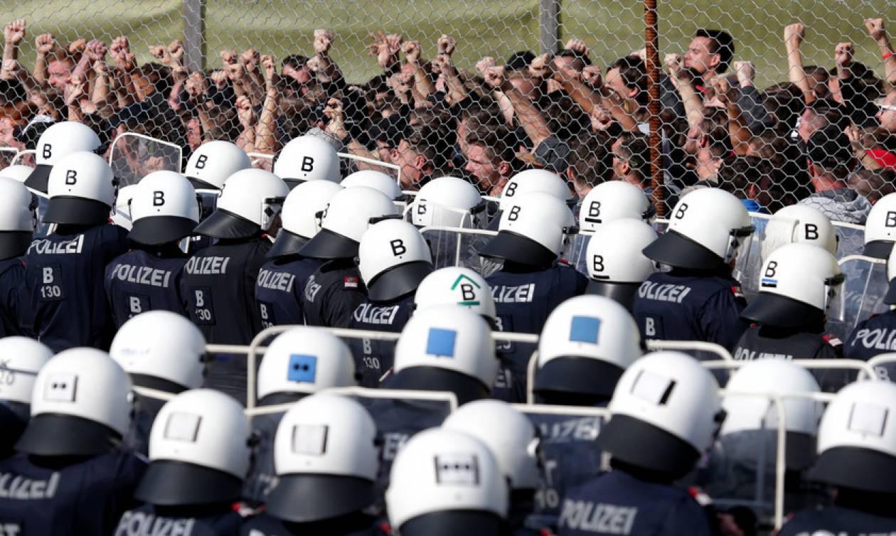 Τι φοβούνται; Μυστηριώδης εντολή για πολεμική άσκηση εναντίον προσφύγων στα σύνορα της Αυστρίας