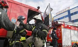 Συναγερμός στη Μόσχα: Φωτιά σε εμπορικό κέντρο