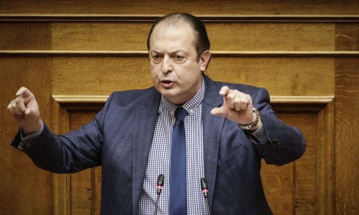 Ο Λαζαρίδης, οι δηλώσεις για τα «ρέστα της διαπλοκής» και τα χειροκροτήματα στον Τσίπρα (vid)