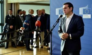 Τριμερής Τσίπρα - Μέρκελ - Σάντσεθ για το μεταναστευτικό